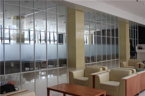 高端铝型材玻璃隔断13