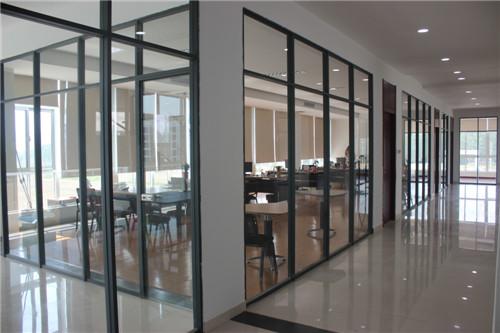 高端铝型材玻璃隔断10