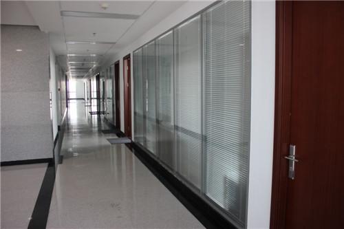 高端铝型材玻璃隔断6
