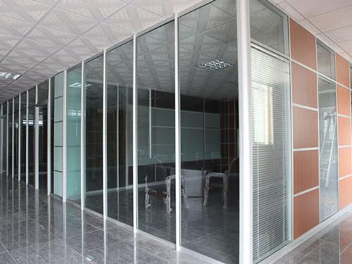 高端铝型材玻璃隔断1
